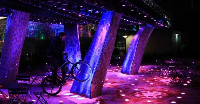 Dekoracyjne oświetlenie RGB LED. Dekoracja światłem LED RGB