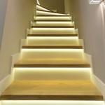 Inteligentne oświetlenie schodów LED z czujnikiem ruchu