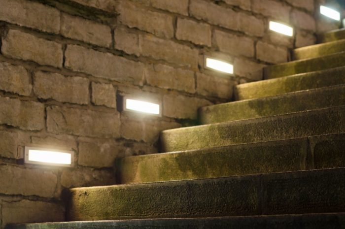 smartLEDs - Punktowe boczne podświetlenie (oświetlenie) LED schodów kamiennych