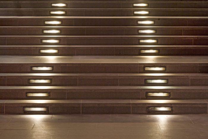 smartLEDs - Oświetlenie schodowe - Podświetlenie LED w podstopnicach schodów