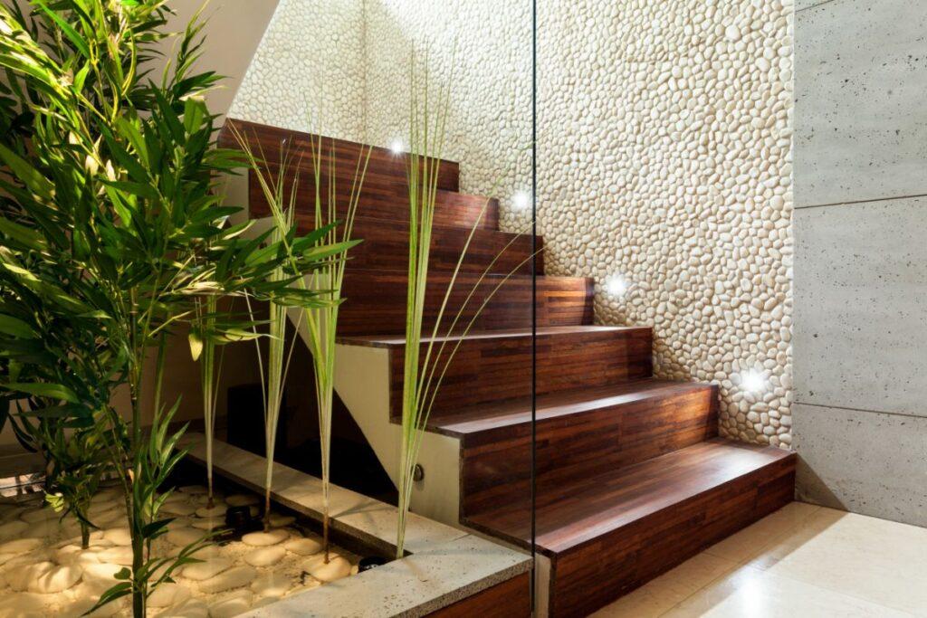 Dekoracyjne, boczne oświetlenie LED schodów