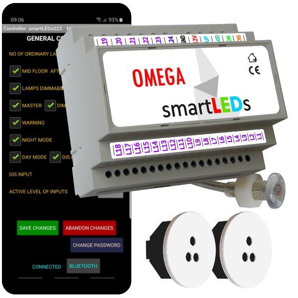 """Zestaw schodowy do oświetlenia LED """"Inteligentne schody z aplikacją na smartfon"""". Sterownik schodowy smartLEDs OMEGA z czujnikiem zmierzchu + 2 schodowe czujniki ruchu ALFA (białe okrągłe)."""